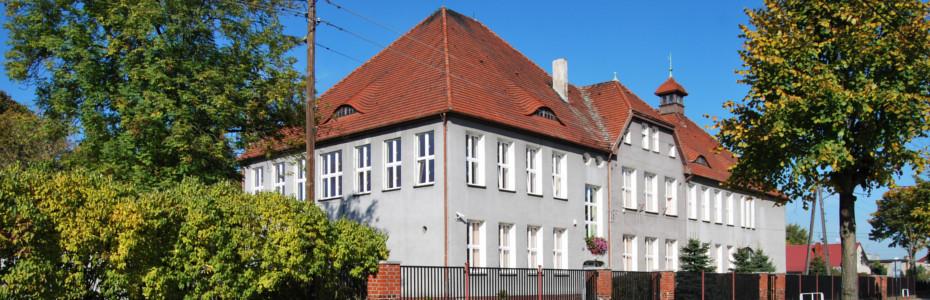 Budynek Zespołu Szkół w Cybince
